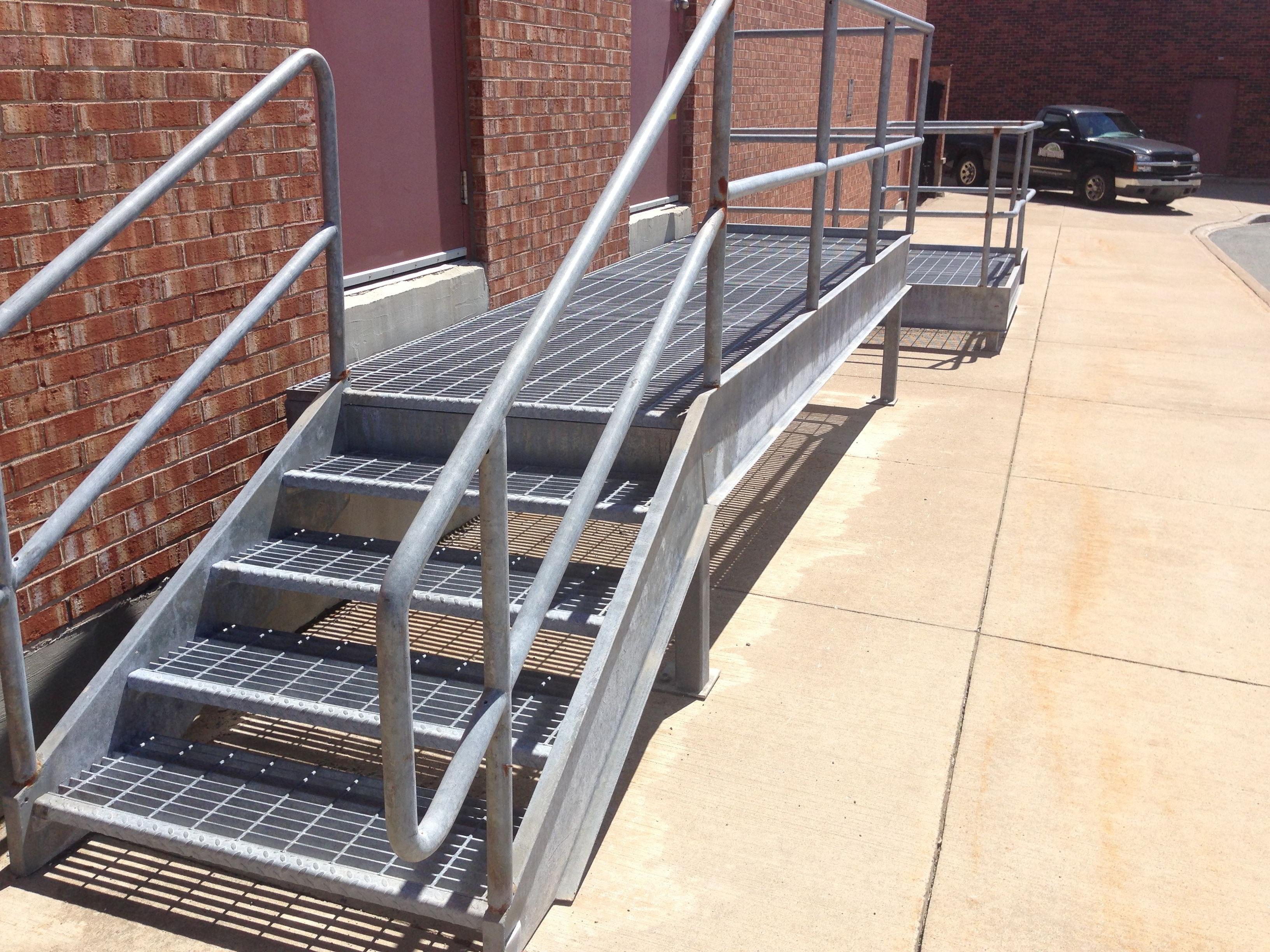 darr-welding-custom-galvanized-stairway
